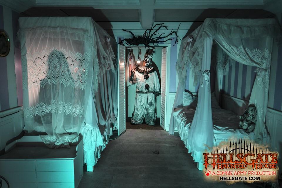 sGate Haunted House on